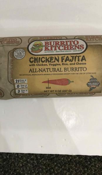 MILD CHICKEN FAJITA WITH CHICKEN, VEGGIES, RICE, AND CHEESE ALL-NATURAL BURRITO