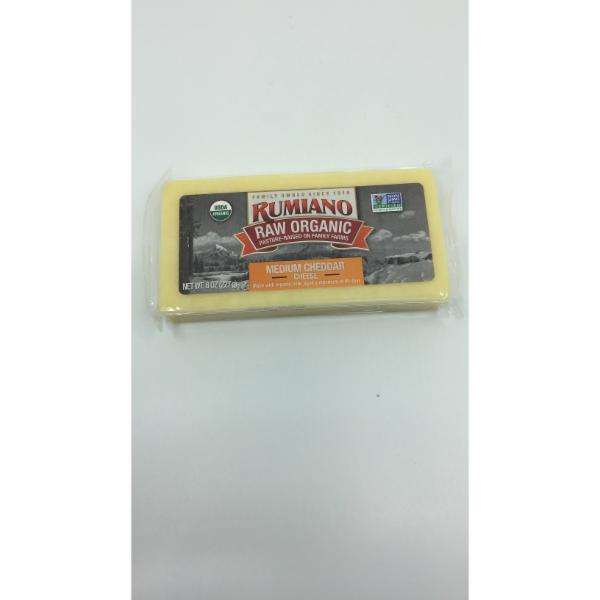 RAW ORGANIC MEDIUM CHEDDAR CHEESE