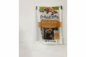 WALNUTS, DRIED SWEETENED CRANBERRIES, ALMONDS & PISTACHIOS