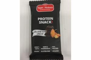 ORGANIC CHOCOLATE AND ALMOND PROTEIN SNACK!