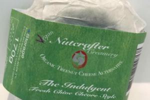 THE INDULGENT FRENCH CHIVE CHEORE STYLE ORGANIC TREENUT CHEESE ALTERNATIVE