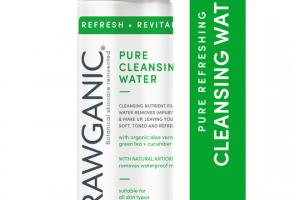 PURE CLEANSING WATER WITH ORGANIC ALOE VERA + GREEN TEA + CUCUMBER