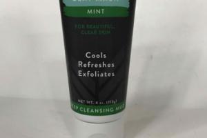 AMAZINGLY NATURAL CHARCOAL CLAY MASK, MINT