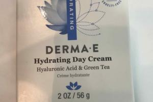 HYALURONIC ACID & GREEN TEA HYDRATING DAY CREAM