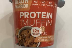 PEANUT BUTTER CHOCOLATE CHIP PROTEIN MUFFIN MUG