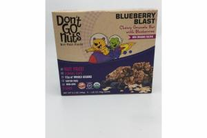 BLUEBERRY BLAST CHEWY GRANOLA BAR WITH BLUEBERRIES