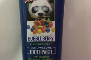 FLUORIDE-FREE ECO-AWESOME TOOTHPASTE WITH BAMBOO AND GREEN TEA EXTRACTS, BUBBLE BERRY