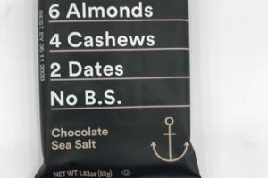 CHOCOLATE SEA SALT PROTEIN BAR