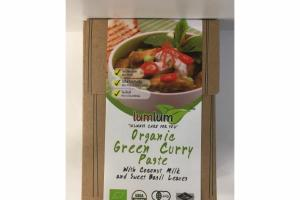 ORGANIC GREEN CURRY PASTE WITH COCONUT MILK AND SWEET BASIL LEAVES