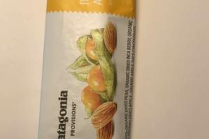 ORGANIC INCA BERRY + ALMOND BAR WITH BAOBAB + CHIA