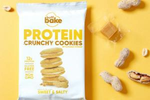 SWEET & SALTY PROTEIN CRUNCHY COOKIES WITH PEANUT SPREAD