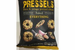 EVERYTHING THIN & CRISPY PRETZEL CHIPS
