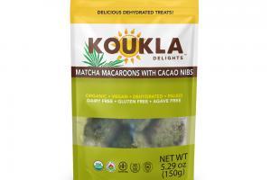 Matcha Macaroons With Cacao Nibs