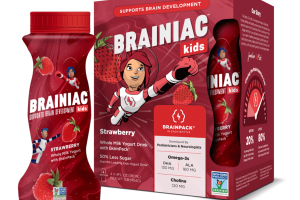 STRAWBERRY WHOLE MILK YOGURT DRINK WITH BRAINPACK