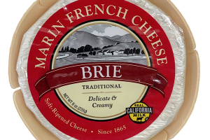 TRADITIONAL BRIE SOFT-RIPENED CHEESE