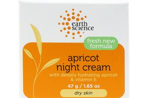 APRICOT NIGHT CREAM WITH DEEPLY HYDRATING APRICOT & VITAMIN E