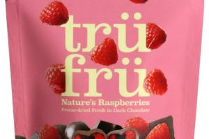 DARK CHOCOLATE 54% CACAO NATURE'S RASPBERRIES HYPER-DRIED FRESH IN DARK CHOCOLATE